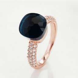 fake pomellato nudo ring in pink gold with blue quartz and diamonds