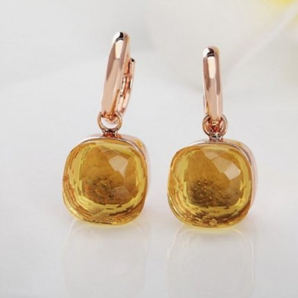fake pomellato inspired nudo earrings in pink gold with lemon quartz